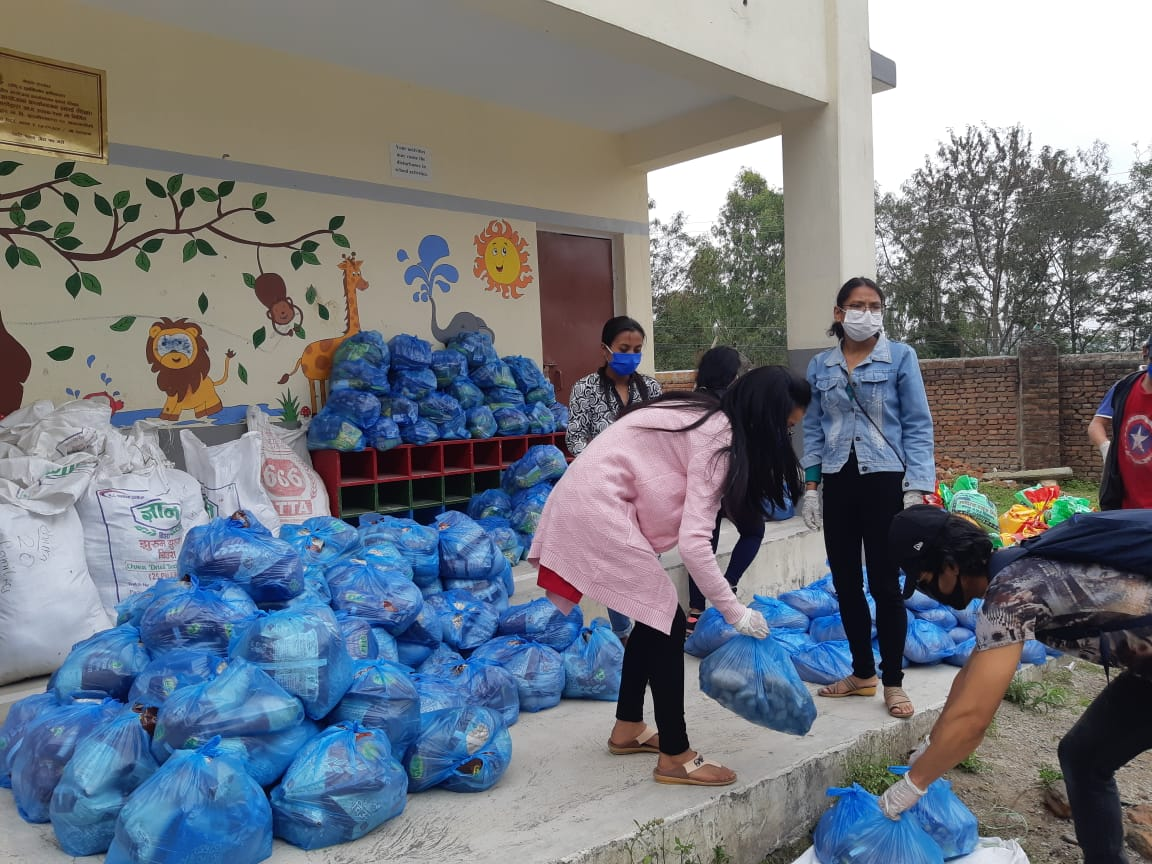 Coronavirus Relief II – from the school to the community